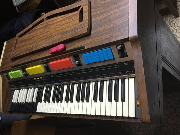 Photo Hammond Piper II Electric Organ - 197039s - $100 (Merrick)