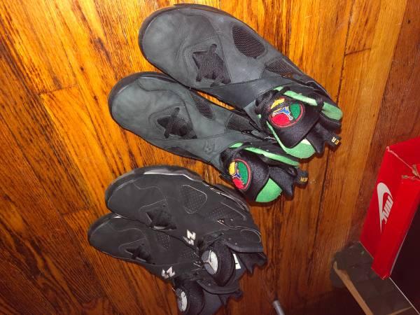 Photo Jordan 8 Retro Chrome  Jordan 8 Tinker Air Raid Size 12 - $150 (205 St)