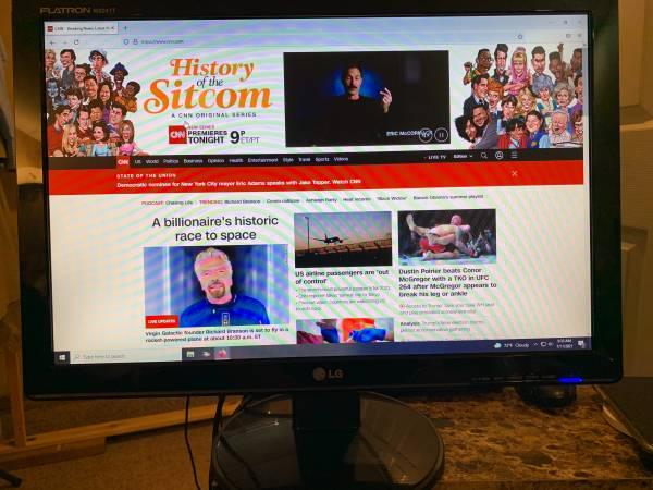 Photo LG and Dell Monitor, Dell Dimension Desktop - $45 (Astoria)
