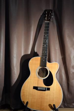 Photo Martin OMC-28E Guitar 2016 - $3,000 (Farmingville)