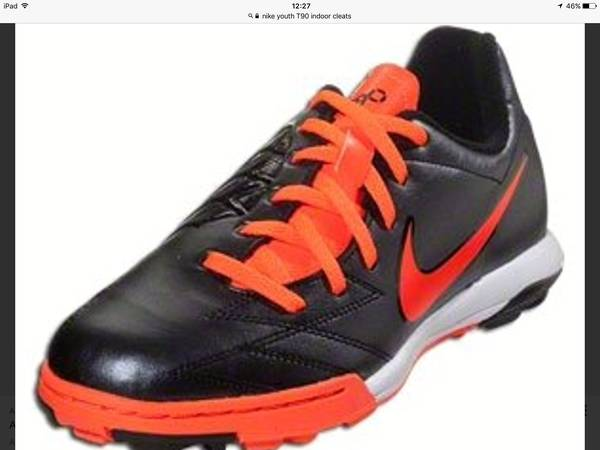 Photo NIKE Indoor Youth Soccer Shoes Junior T90 Shoot - $35 (TriBeCa)