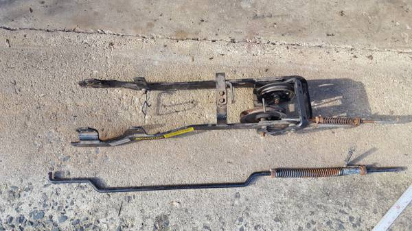 Photo Simplicity lawn mowertractor pto attachment assembly (Greenwich)