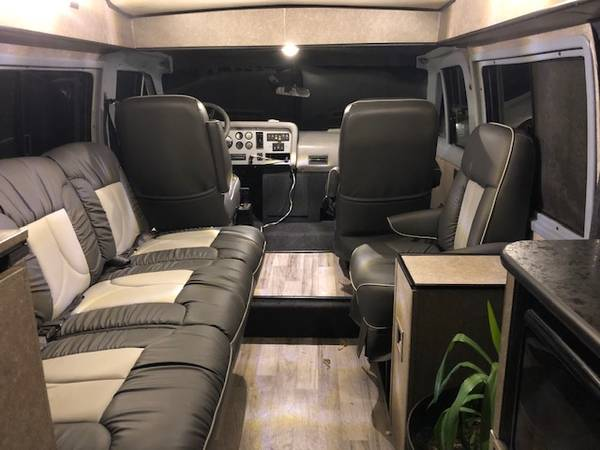 Photo Vixen 21 Custom Recreational Vehicle For sale - 2139 long - $45,000 (Midtown)