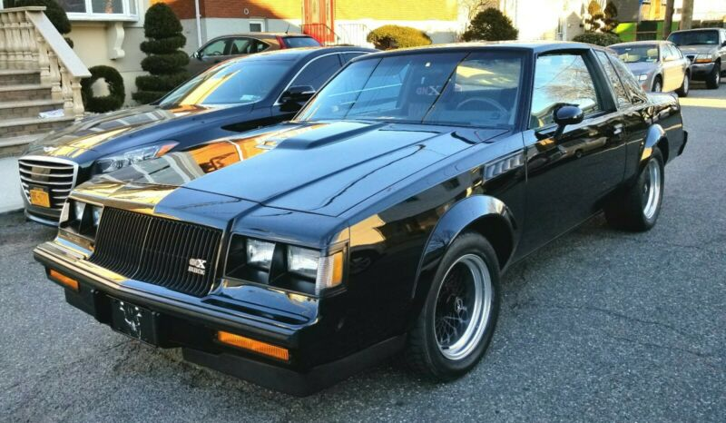 Photo 1987 Buick Grand National GNX