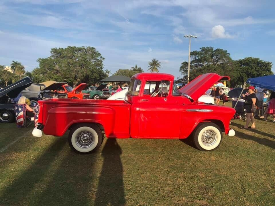 Photo 1956 Chevrolet pick up truck 3100 Stepside 3 Speed 6 cylinder