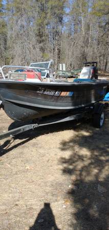 Photo 14 ft StarCraft Boat with motor and trailer - $1,200 (Hillman)