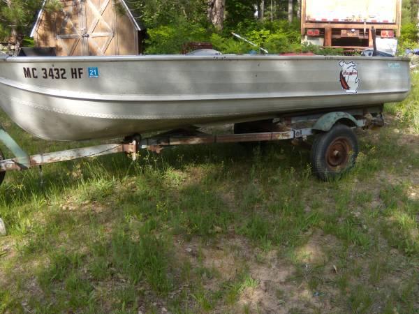 Photo 14 ft. aluminum boat - $750 (pellston)