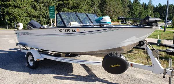 Photo 1996 Grumman 1739 Deep V fishing boat for Sale - $8000 (Lake City)