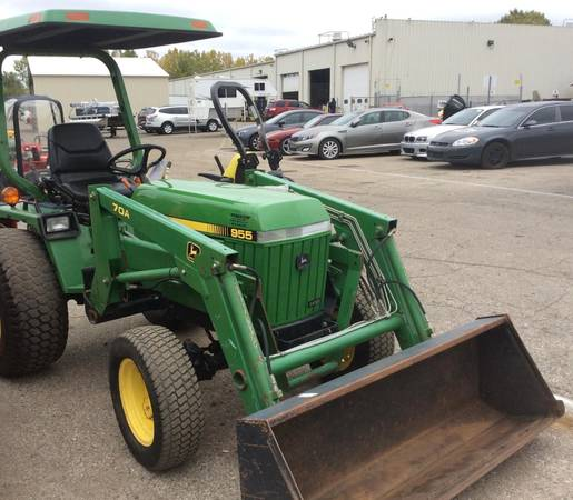 Photo 1996 John Deere 955 Tractor With 70A quick attach loader - $10000 (Omer, MI)