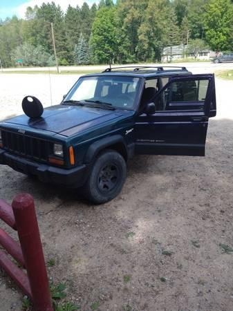 Photo 1999 Jeep Cherokee Sport - $700 (Roscommon)