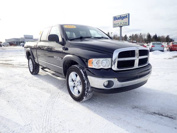 Photo 2005 Dodge Ram 1500 SLT Big Horn - $5,499 (6691 US 31 South Charlevoix MI)