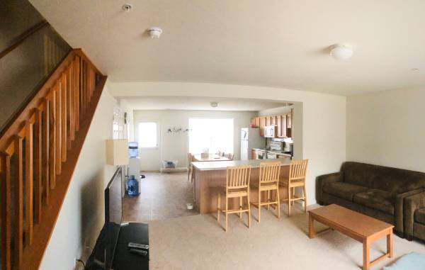 Photo 2-Room 2.5-Bathroom Townhouse Apartment for Sublet (Rent Free for Oct) (Mt pleasant)
