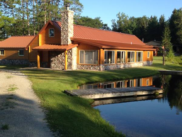 Photo 640 Acres, 2 Lakes, 30 heated blinds, Guest Facilities, Guest Cabins (North of Curran)