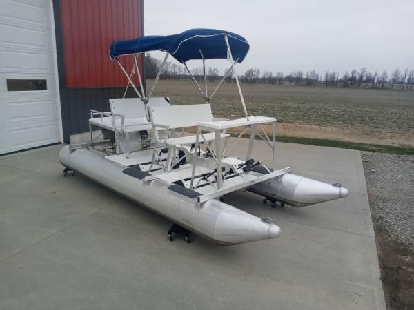 Photo Aqua Cycle 4x4 Pontoon Paddle Boat - $4,200 (Westphalia)