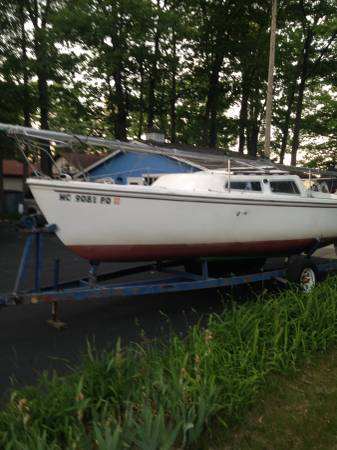 Photo Classic Catalina 22 with electric start 9.9 OB - $2000