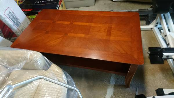 Photo Coffee Table  End Table Set from Art Van - $80 (Roscommon)