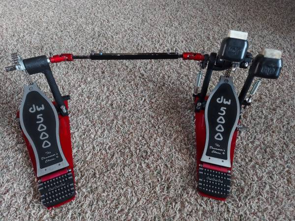 Photo DW 5000 double bass drum pedal - $250 (Cadillac)