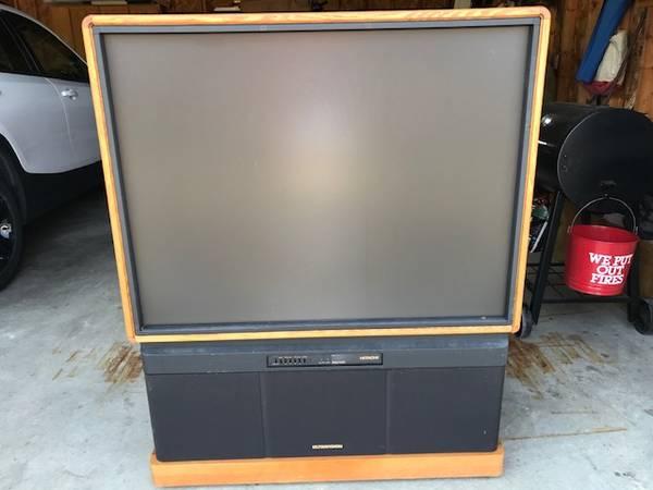 Photo Hitachi 46quot big screen TV (Suttons Bay)