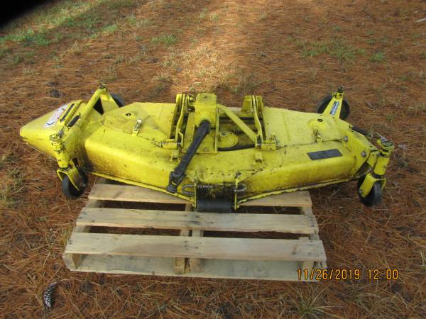 Photo John Deere 420-430 Mower Deck - $800 (Luzerne)