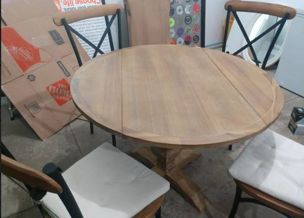 Photo Pier 1 Table and Chairs - $250 (Traverse City)