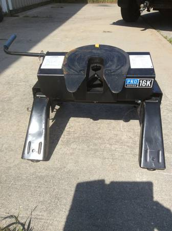 Photo Reese 5th Wheel 16K Pro Series Tilt Angle Very Clean Nice Condition - $300 (Charlevoix)