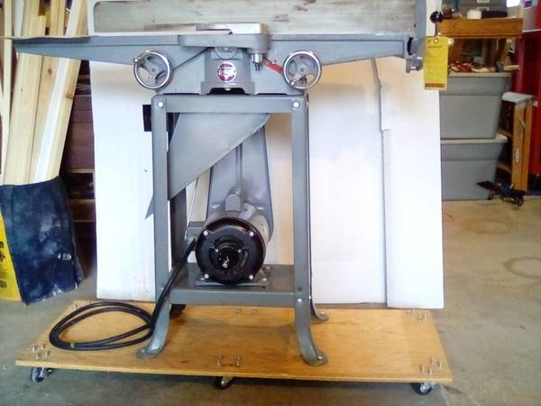 Photo Rockwell delta 1956 6quot jointer (Traverse city)