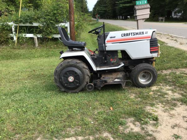 Photo Sears 18 hp garden tractor - $350 (Beaverton)