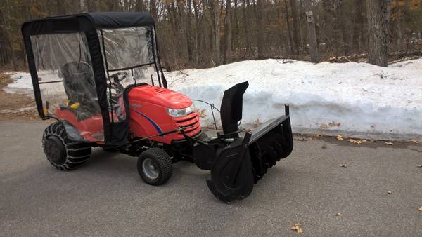 Photo Simplicity 2 Stage Snow Thrower - $650 (Manistee)