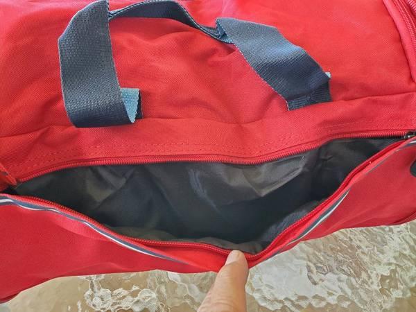 Photo Tommy Bahama Tumbler Duffle Bag - $75 (neighboorhood-Bay Harbor)