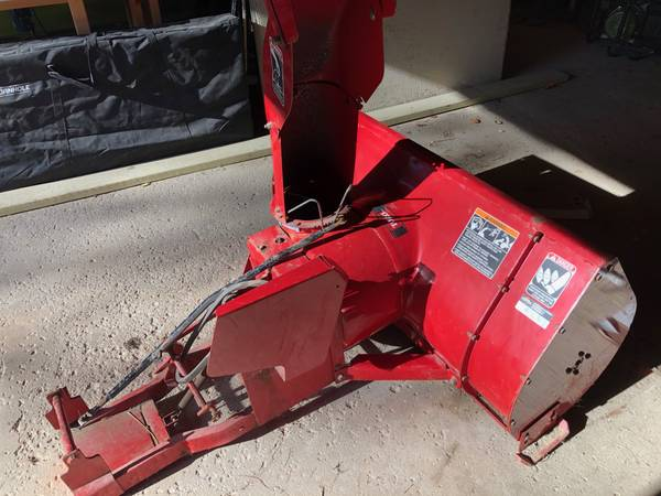Photo Wheel Horse tractor w Blower, plow  mower - $2,200 (Williamsburg)