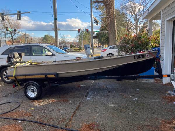 Photo 14 ft aluminum boat - $3,000 (Virginia Beach)