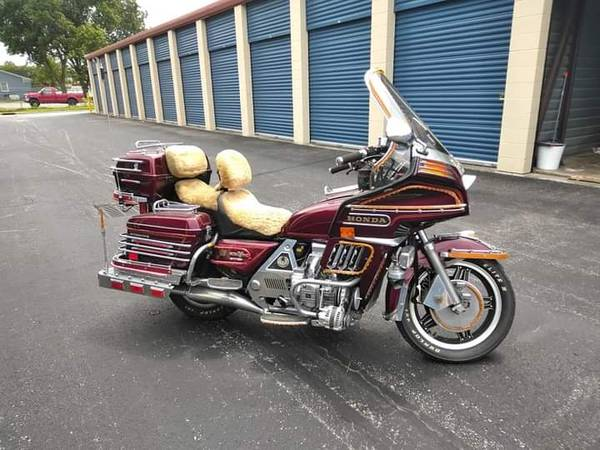 Photo 1983 Honda Goldwing Interstate 1100 - $2,000 (Moyock NC)