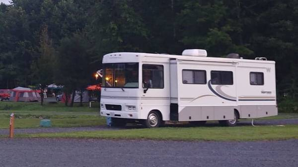 Photo 2004 Winnebago Sightseer 30b - $30,000 (Ruther Glen)