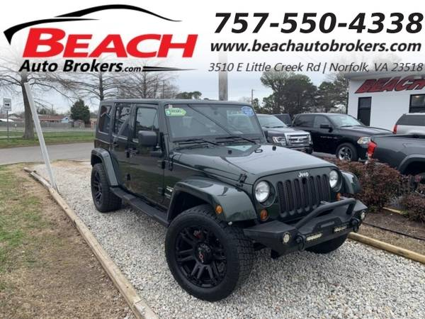 Photo 2010 Jeep Wrangler Unlimited UNLIMITED SAHARA 4X4, WARRANTY, HARD TOP, (_Jeep_ _Wrangler Unlimited_ _SUV_)