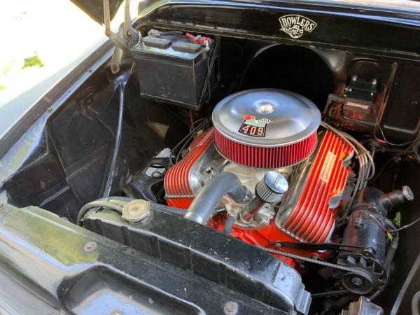Photo 348 bigblock Chevy motor parts - $123 (Newport news)
