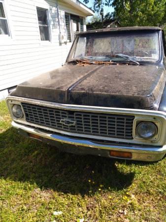 Photo 72 Chevy - $5,500 (Newport new)