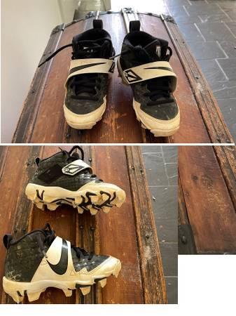 Photo Boys Cleats - Nike size 12c - $15 (Hilltop)