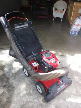 Photo Craftsman self prop.yard vac - $300 (Chesapeake)