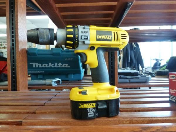 Photo DeWalt 18V Hammer Drill - $59 (Virginia Beach)