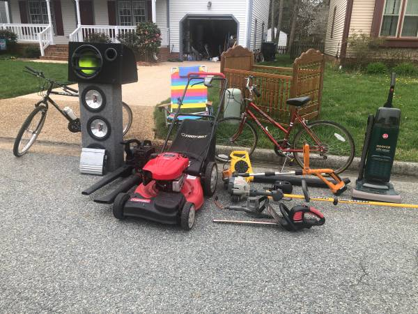Photo FREE Lawn Mower, Weed Eater, Hedge Trimer, Bikes, Crib, Subwoofer, etc (Colony Pines)