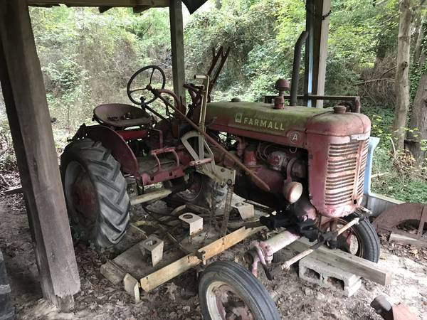 Photo Farmall A model - $2,000 (Middlesex)