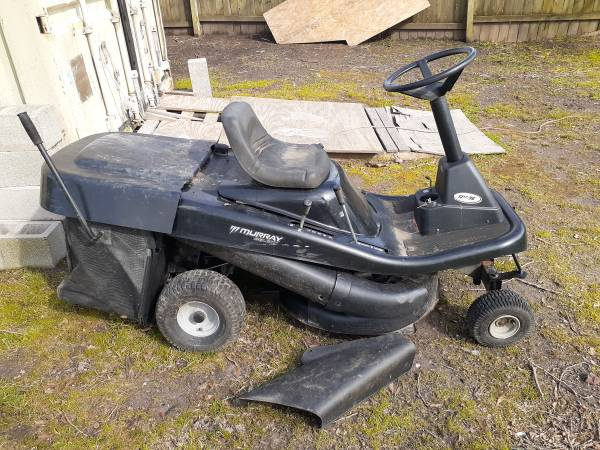 Photo Murray 30quot Riding mower with bag attachment - $200 (SuffolkChesapeake)