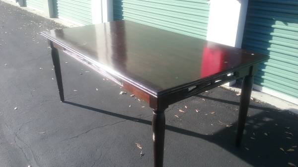 Photo Pier One Import Farmhouse Style Dining Room Table - $65 (Virginia Beach)