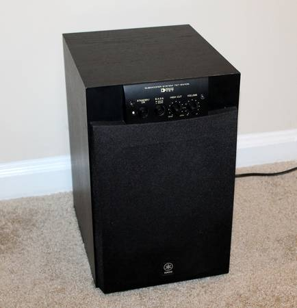 Photo Really NICE Sub - Yamaha YST-SW105 100 Watts Active Subwoofer - $45 (Williamsburg)
