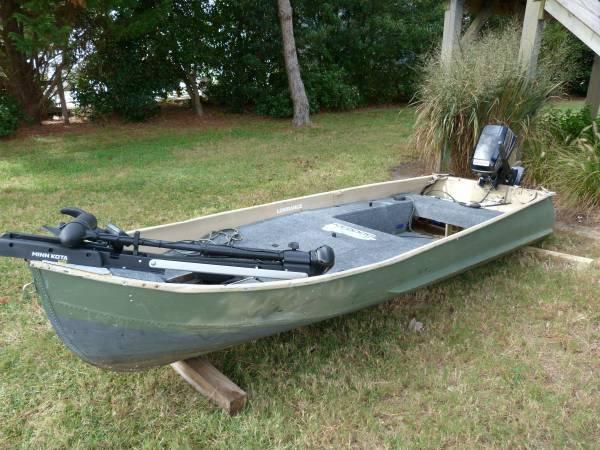 Photo Sears Jon Boat with 8HP Johnson Outboard - $1,250 (Virginia Beach - Sandbridge)