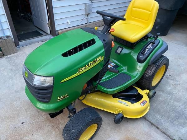 Photo (Sold) John Deere L120 Lawn Tractor - $1,000 (Salem Lakes, Virginia Beach)