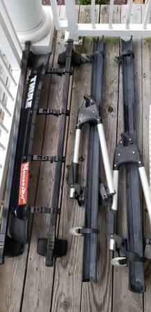 Photo Thule Roof rack with bicycle racks LOWER Need to Sell - $350 (Newport news)