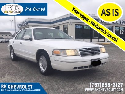 Photo Used 2001 Ford Crown Victoria LX for sale
