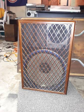 Photo Vintage Sansui SP-Z9II Speakers - $240 (Newport News)