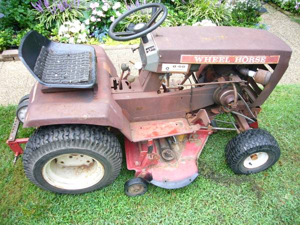 Photo Wheel Horse B-60 Garden Tractor  Puller - $380 (Newport News)